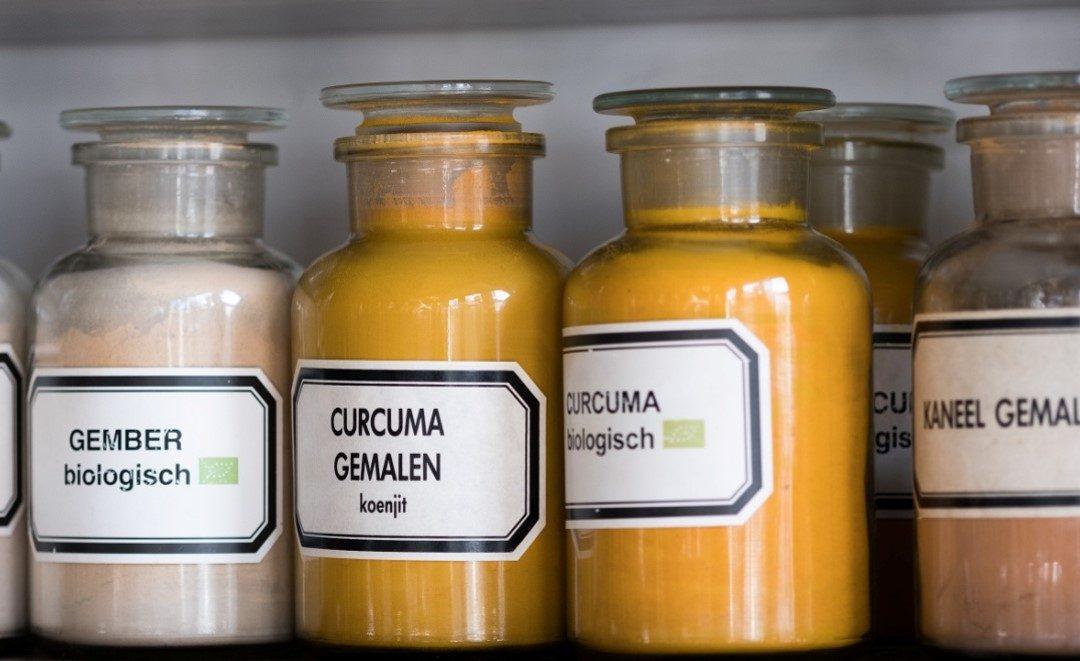 천연 화장품, 당연히 먹을 수 있는 유기농 원료만 담아야 한다!